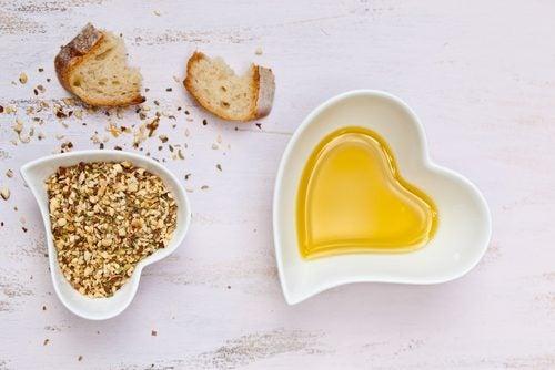 Pane e olio tra gli alimenti vegano ricchi di calorie
