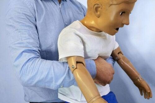 Soffocamento nei bambini manovra