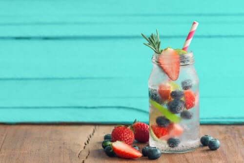 Tisane fredde alla frutta per l'estate