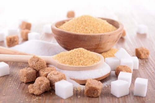 Zucchero di canna e zucchero raffinato