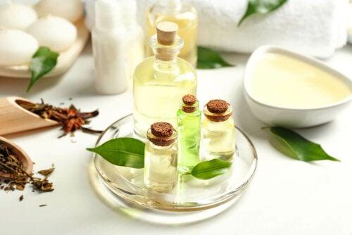 Tea tree oil tra i rimedi naturali per le unghie gialle