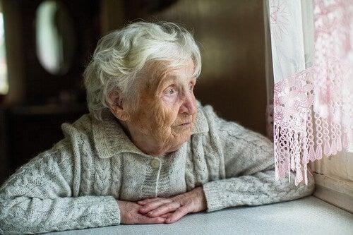 Anziani e Coronavirus: come affrontare la quarantena