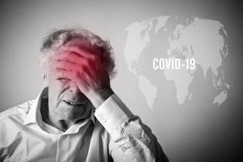 Anziano con paura del COVID-19
