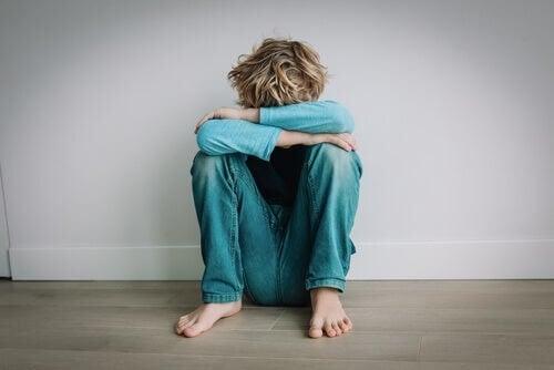 Bambino autistico in quarantena, come aiutarlo