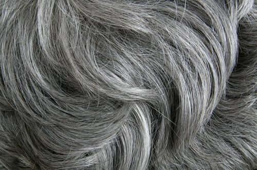 Lo stress fa venire i capelli bianchi secondo uno studio