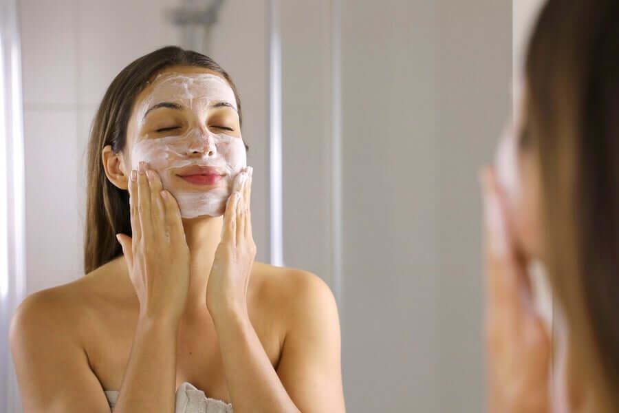 Liberare la mente con una maschera di bellezza