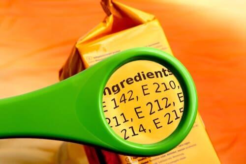 Additivi alimentari contenuti nei cibi che compriamo