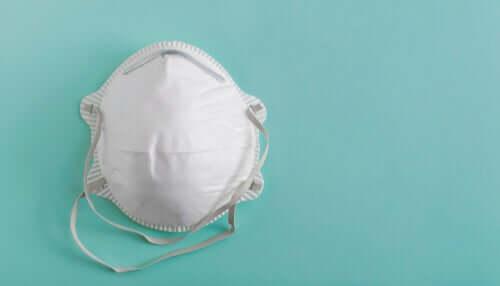Mascherina protettiva filtrante