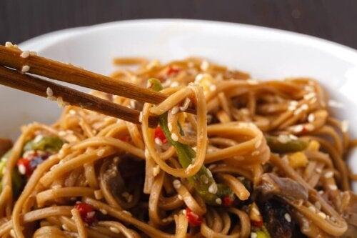 Piatto di noodles