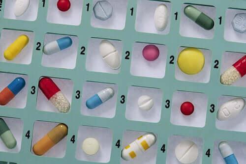 Automedicarsi con gli antibiotici: perché non bisogna farlo