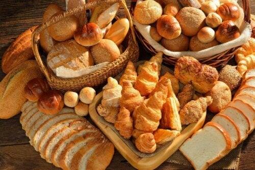 Diversi tipi di pane e mangiare male
