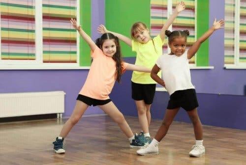 Bambine che fanno sport