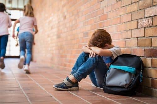 Educare in casa, bambino vittima di bullismo