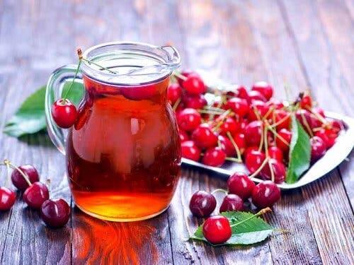 Ciliegia e succo di ciliegia