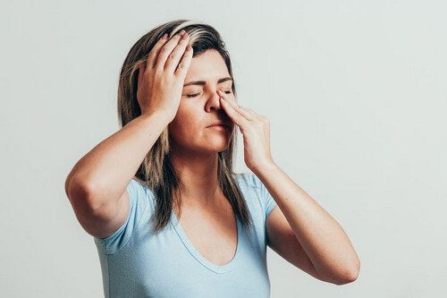 Combattere la sinusite con 6 oli essenziali