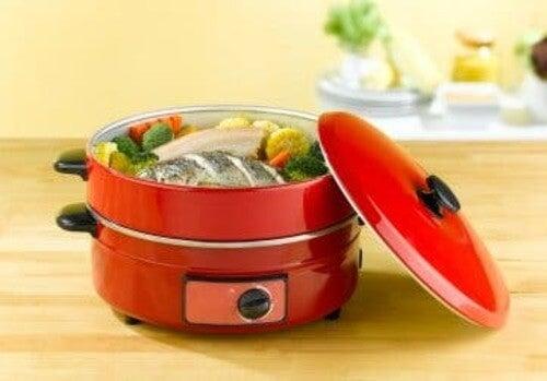 Cottura a vapore per risparmiare acqua ed elettricità in cucina