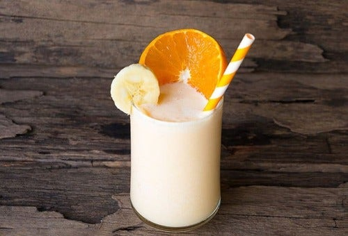 Frullato all'arancia e banana