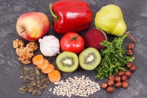 Acido urico alto: alimenti vietati e linee guida