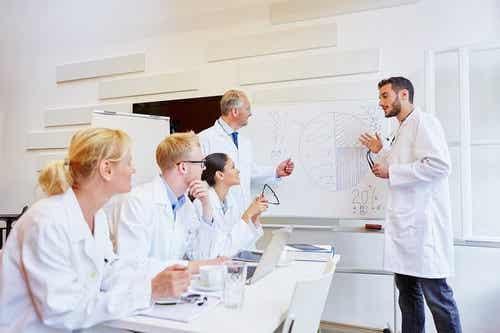 Il modello epidemiologico: caratteristiche