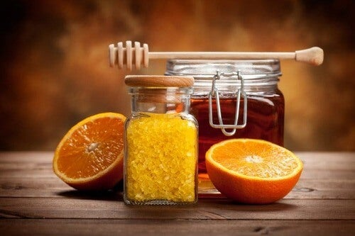 Marmellata d'arance con il miele.