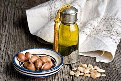 Olio di argan per proteggere i capelli dal sole