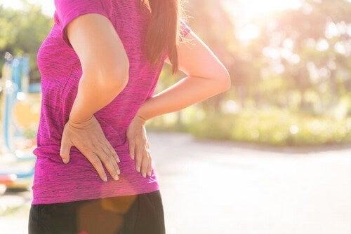 Prevenire e alleviare il dolore lombare in tre mosse