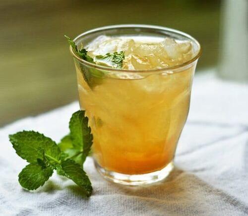 Tè freddo alla arancia e cannella