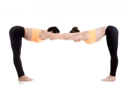 Yoga per la coppia: Uttanasana