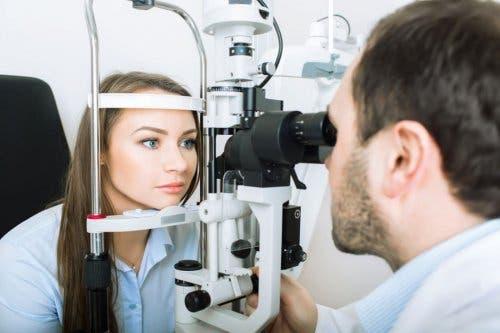 Visita oculistica per la sindrome di Horner