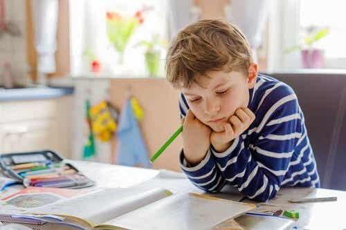 Lavoretti manuali per la zona studio dei bambini