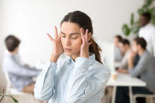 Prevenire gli attacchi di panico con 6 sane abitudini