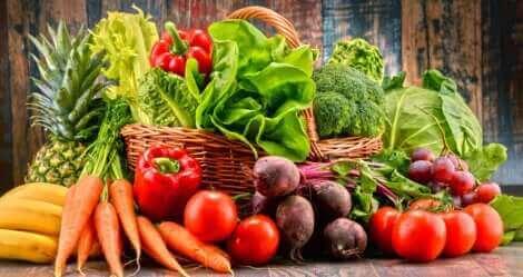 Frutta e verdura per trattare la stitichezza.