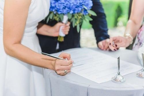Sposarsi: vantaggi e svantaggi legali