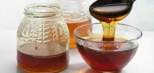 Il miele è utile in caso di infezione oculare