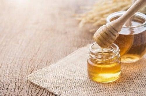 Miele per curare le afte