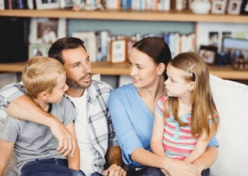 Parlare in famiglia per insegnare ai bambini a chiedere scusa