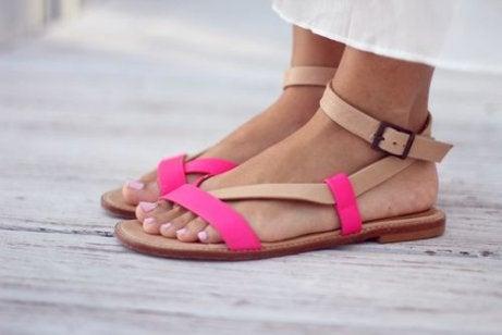 Scarpe aperte per far respirare i piedi