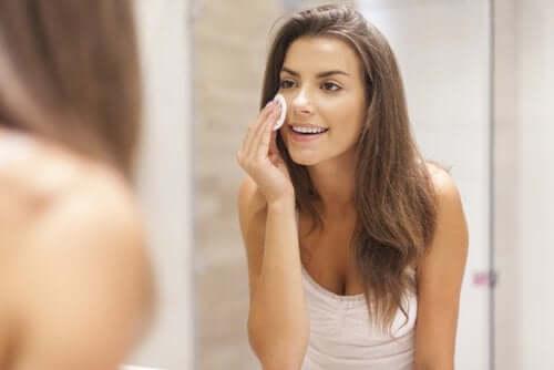 Trucco e cura della pelle del viso