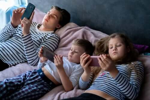 Esposizione dei bambini agli schermi
