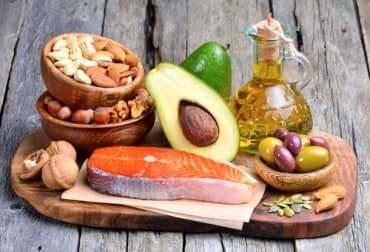 Alimenti che forniscono grassi sani.