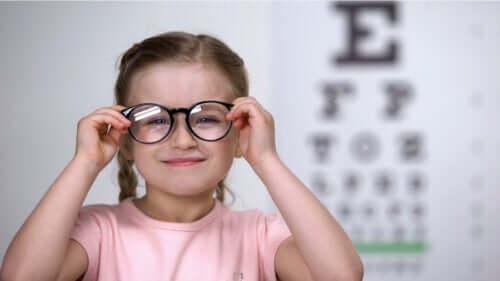 Astigmatismo nei bambini: come riconoscerlo?