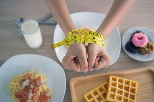 Dieta con carboidrati semplici.