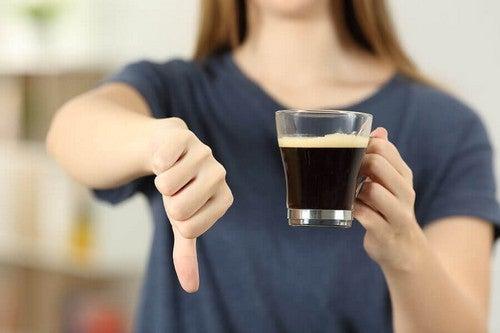 No al consumo di caffè.