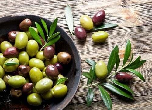 Olive di vario tipo.
