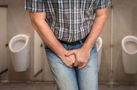 Uomo con infezione delle vie urinarie.