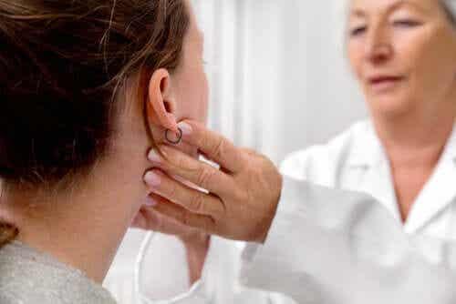 La mononucleosi è contagiosa? Come prevenirla?