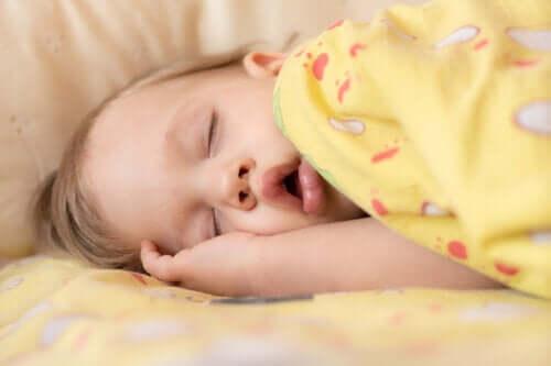 Apnea del sonno nel neonato: sintomi e trattamento
