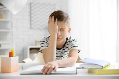 La emicrania nei bambini è un disturbo debilitante.