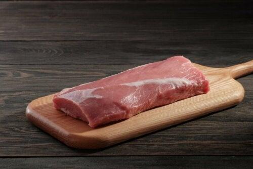 Taglio magro di carne per calmare la dispepsia.