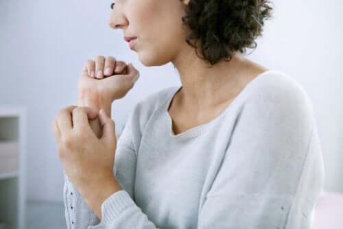 Orticaria cronica: cause, tipi e trattamenti